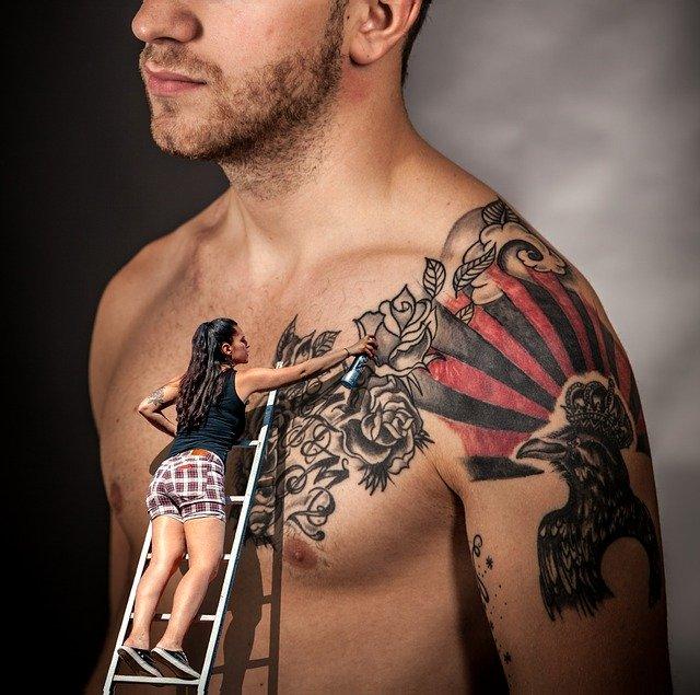 Jak usunąć tatuaż?