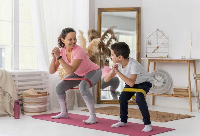 Gumy treningowe – jak ćwiczyć?